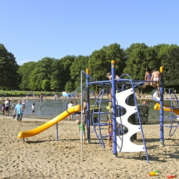 Pool and playground in the Stadtpark